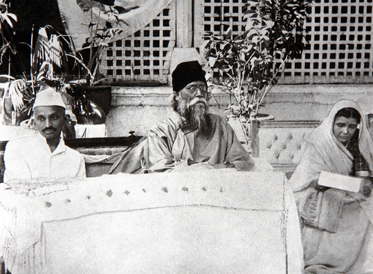 Gandhi and Tagore, Ahmedabad