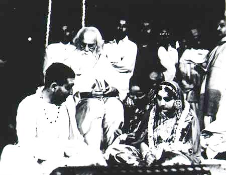 Rabindranath Tagore at grand-daughter Pusu's marriage