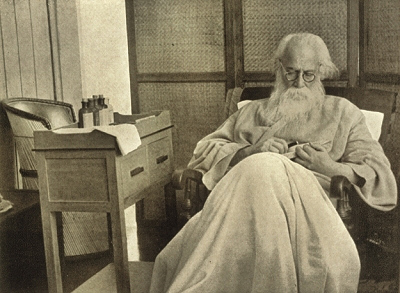 Rabindranath Tagore reading book