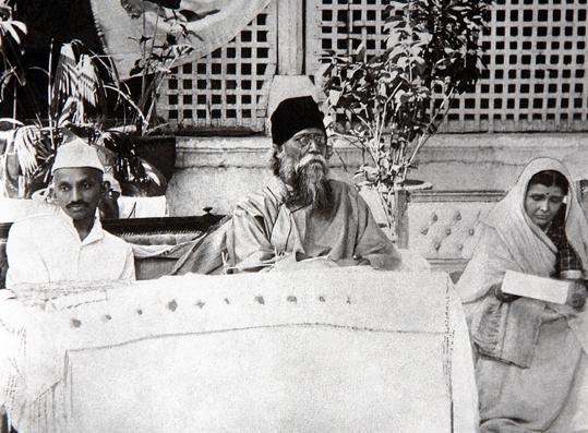 Gandhi and Tagore, Ahmedabad
